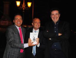 Con l'inviato di Strscia la Notizia Luca Abete e il conduttore tv Roberto Giacobbo