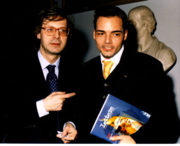 Nel 1998, direttore del mensile Lettere e Vittorio Sgarbi componente del comitato scientifico del magazine
